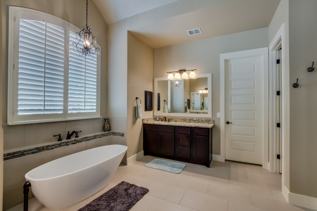 446 - 18 Master_Bathroom