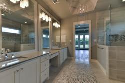 14 - MSuite Bath 5