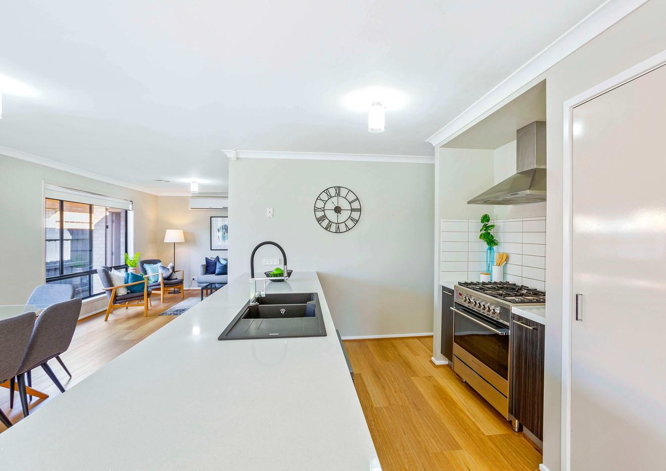 (TYLR) Kitchen (ON1F) (WEB).jpg
