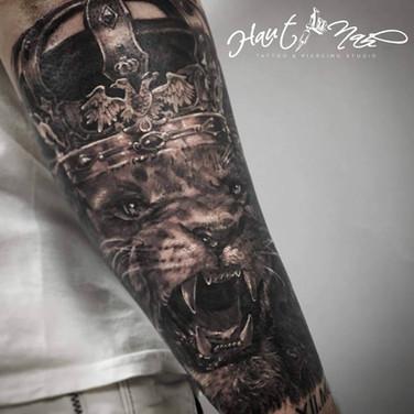 loewen-koenig-tattoo.jpg