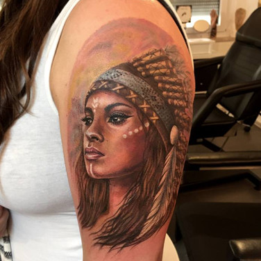 indianer-frau-tattoowierung.jpg