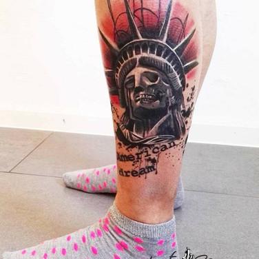 tote-freiheitsstatue-tattoowierung.jpg