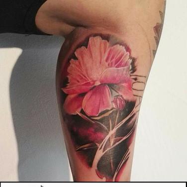 pink-flower-tattoowierung.jpg