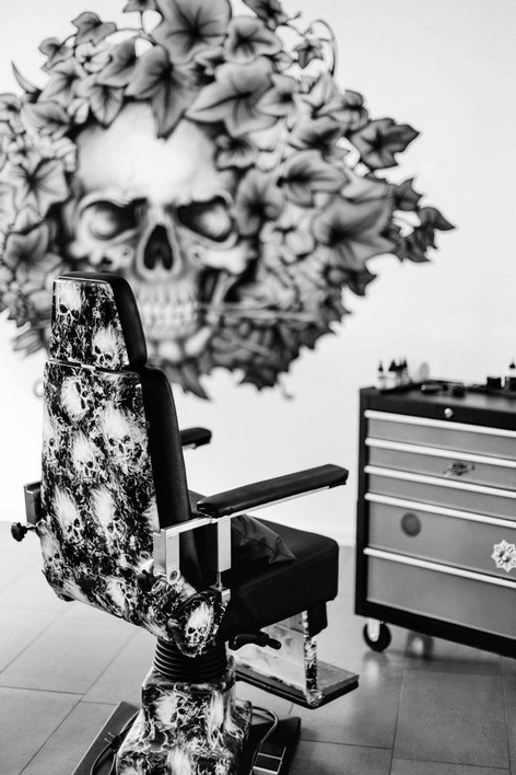 tattowier-stuhl.jpg