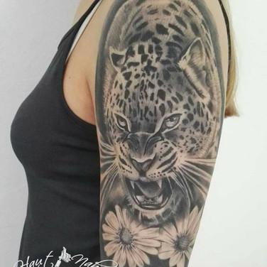 schreiender-tiger-tattoowierung.jpg