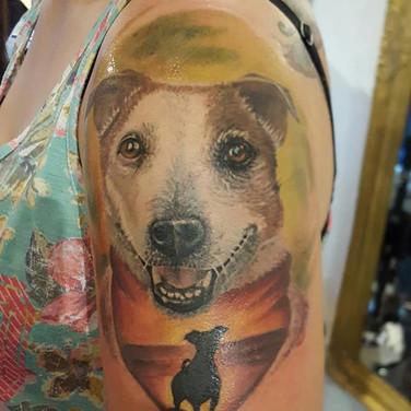 sonnenuntergang-hund-tattoo.jpg
