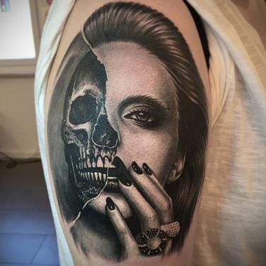 skull-girl-tattoo.jpg