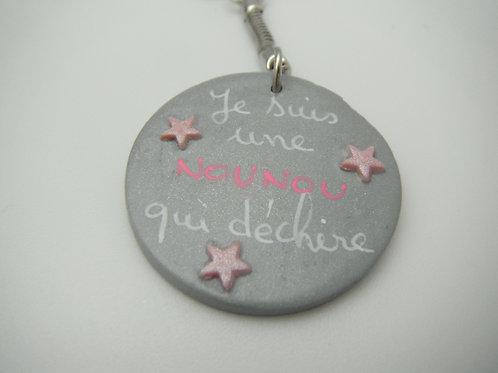 """porte clefs """"NOUNOU qui déchire"""" gris et rose"""