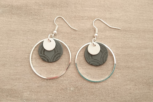 """boucles d""""oreilles RINGS gris et blanc"""