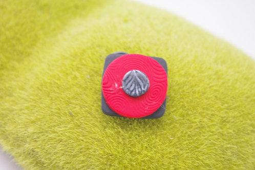 bague Grand modèle CARREE SILICONIA  noir rouge