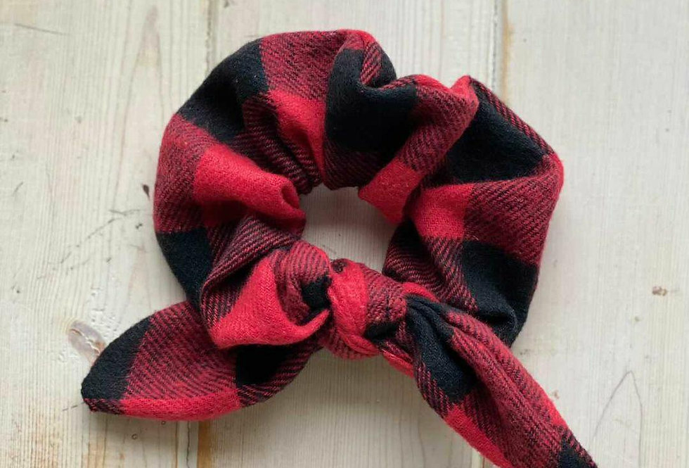 Knotted Scrunchies