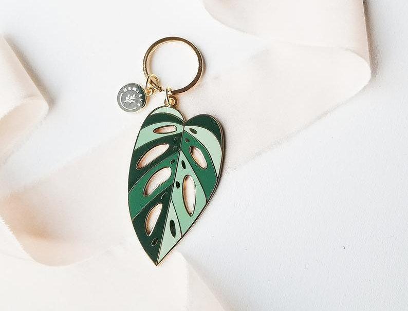 Hemleva Plant Keychain