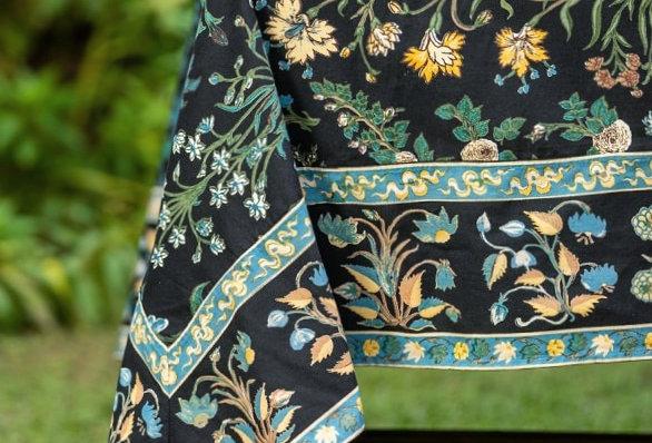 Garden Black Tablecloth