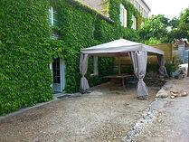 terrasse du gite macarons pour 4/6 pers avec piscine votre maison de vacance a Echallat en Charente  (16 )