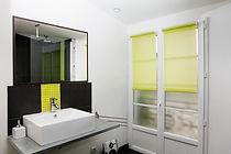 salle d'eau du gite macarons pour 4/6 pers avec piscine votre maison de vacance a Echallat en Charente  (16 )