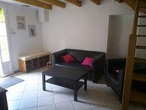salon du gite macarons pour 4/6 pers avec piscine votre maison de vacance a Echallat en Charente  (16 )lon