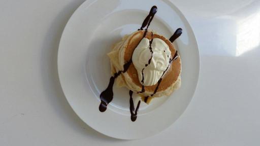 pancakes-with-banana.jpg