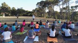 Conte et yoga en plein air