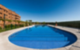 Foto de la piscina de la promoción Las Terrazas del Pinar en Navalcarnero