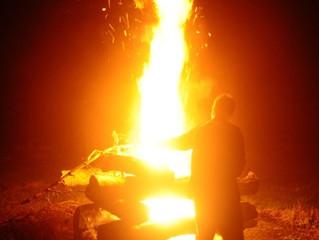 火を囲んで・・・