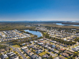 Downsizing doesn't mean compromising for Sandstone Lakes residents