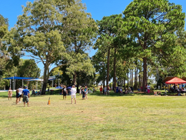 BEACHMERE ENJOYS ITS AUSTRALIA DAY PICNIC IN THE PARK
