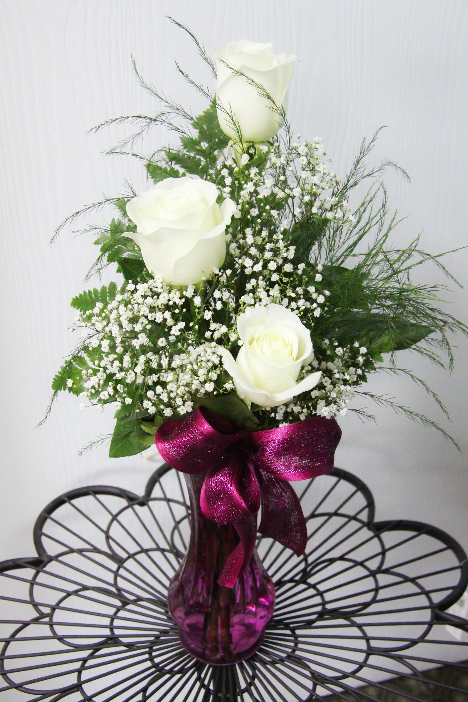 3 Roses Arranged