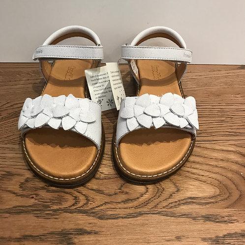 Froddo: White Open Toe Sandals
