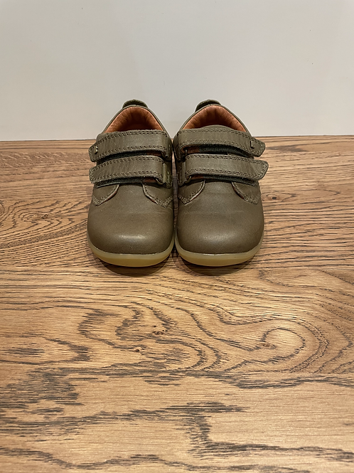 Bobux: Port Dress Shoe - Olive