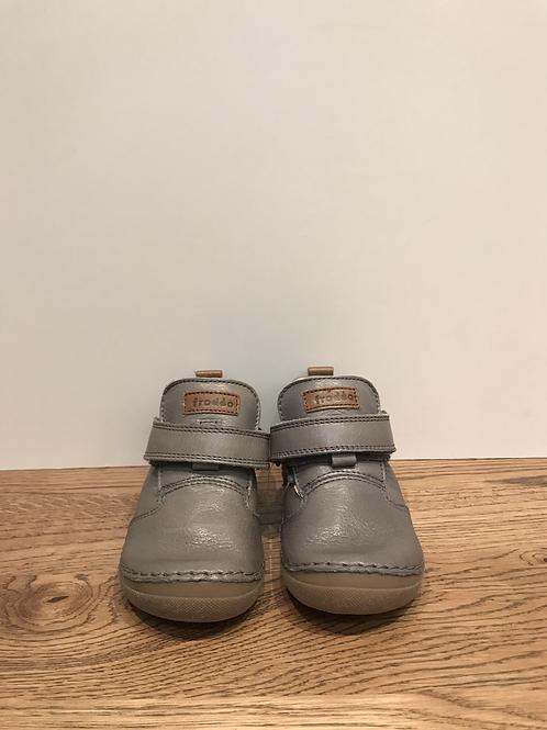 Froddo: G2130147 - Grey