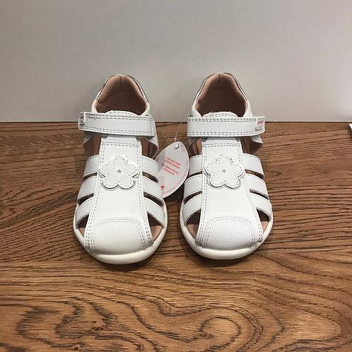 Garvalin: White - Closed Toe