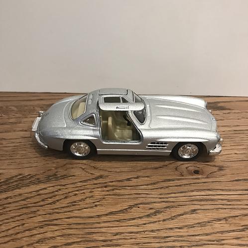 Mercedes: Toy Car Silver