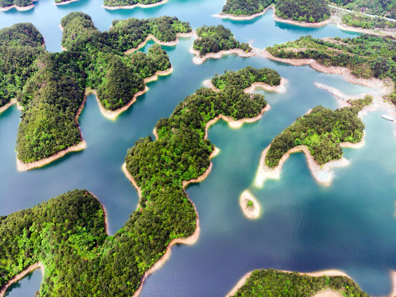 Aerial View of Thousand Island Lake. Bir