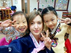 Amber VanSanden pic with 2 kids
