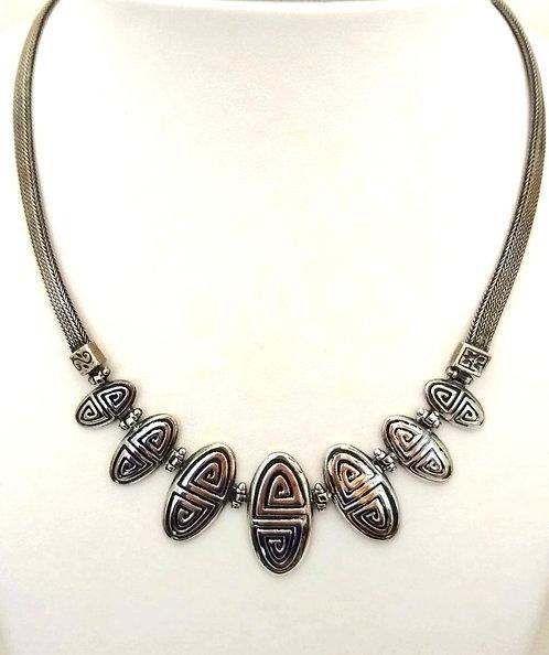 Meander Necklace
