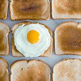 Toast avec Sunny Side Up