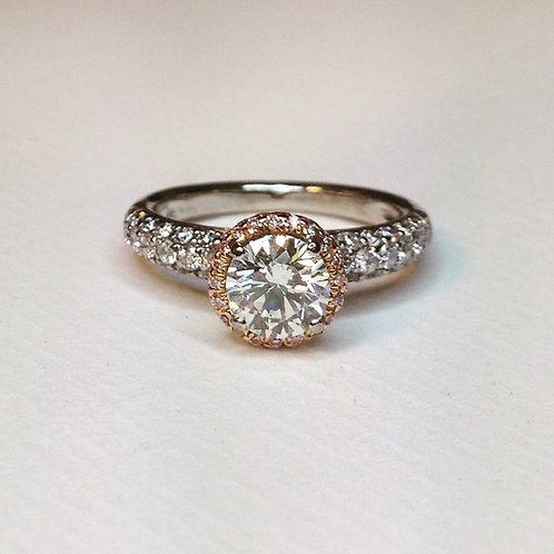 Superb Diamond Ring 18ct 1 Carat +