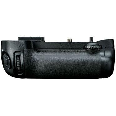 Nikon Punho MB-D15