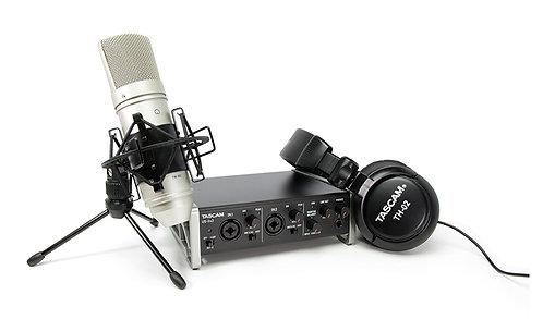 Tascam US-2x2 Interface Audio + Microfone + Auscultadores