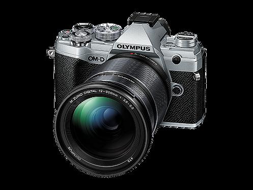 Olympus OM-D E-M5 Mark III + 12‑200MM F3.5‑6.3