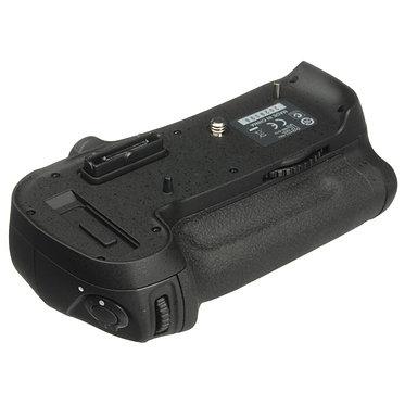 Nikon Punho MB-D12