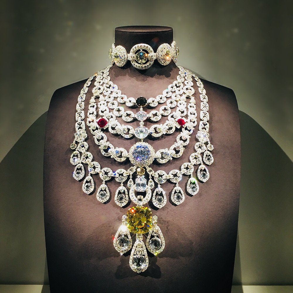 Bottom - Lily stomacher brooch 310510 1906  platinum, round old- and rose-cut diamonds (millegrain setting) Cartier Collection © Cartier
