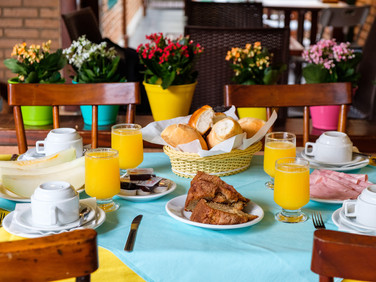 café manhã pousada don diego ubatuba 10