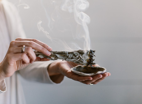 11 Benefits of Burning Sage