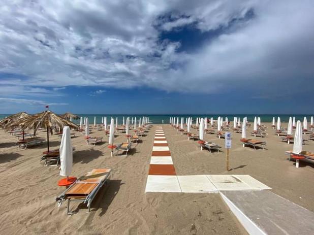 chiueti-spiaggia-lido-azzurro.jpg