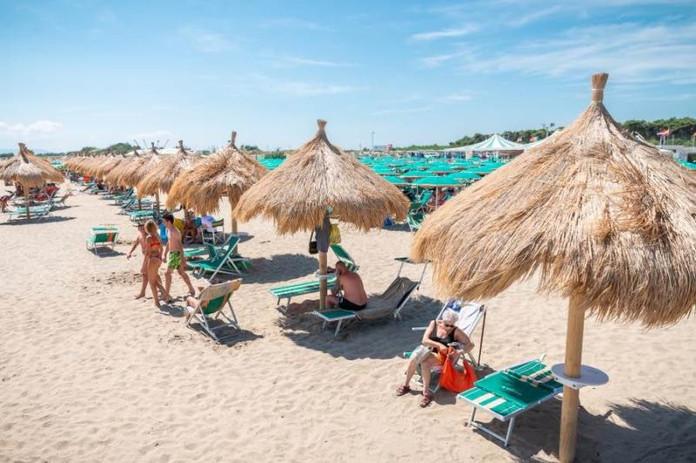 lido-anna-beach-club-lesina.jpg