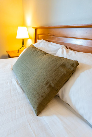 Howe Sound Inn Queen Bed