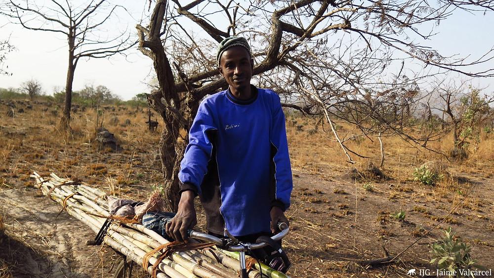 Los habitantes de la RNCD dependen de los recursos naturales del medio.