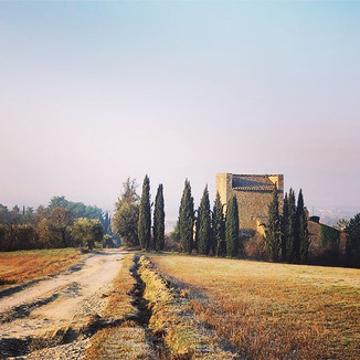 Between Tuscany and Umbria