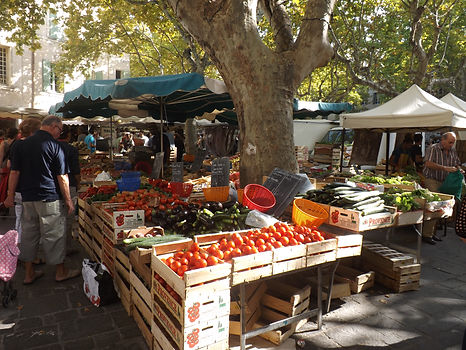 Markets in Uzes